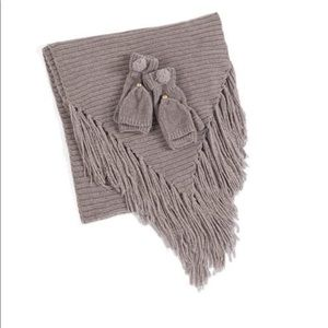 The Rogers Pass Scarf and Gloves Giftset